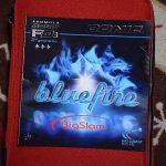 サウンド系としては打球感は硬め<br>「DONIC Blue Fire Big Slam」
